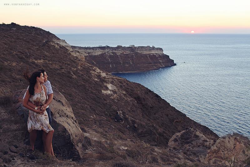 Santorini-lovestory-by-Sonya-Khegay-31