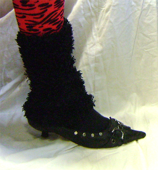 leg warmers fluffy blk on