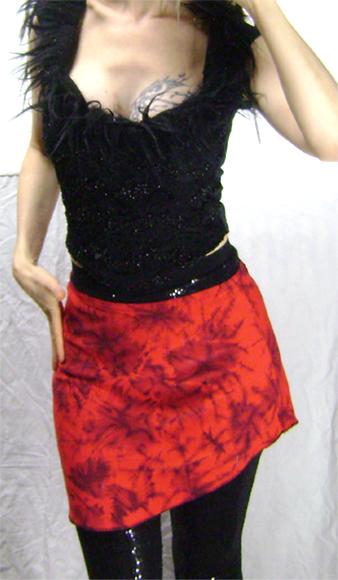 red tie dye mini on