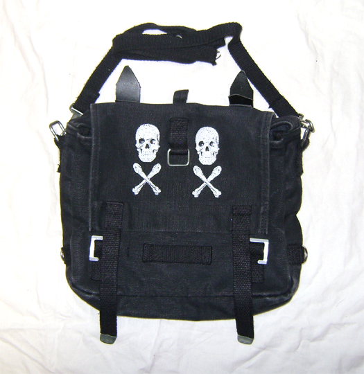 clubbing skull canvas bag front