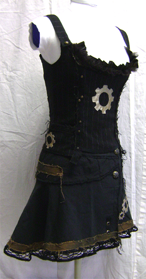 steampunk apocalypse outfit side