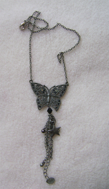 claires butterfly neckless