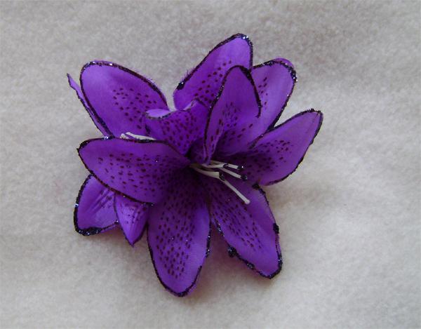 purple hair lily glitter
