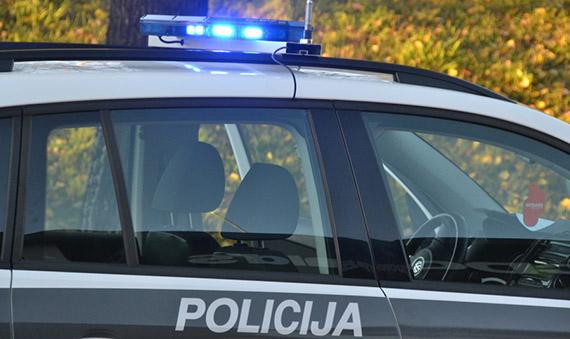 1353400418_policija_car-13