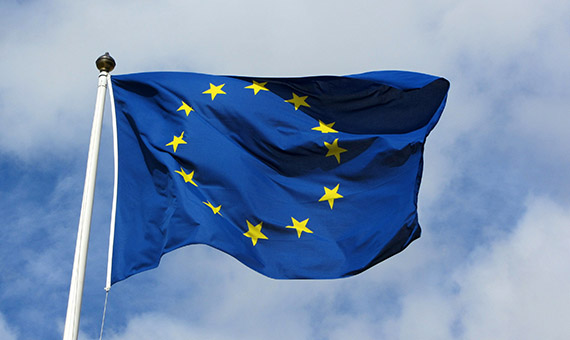 1382102778_european_flag_in_karlskrona_2011