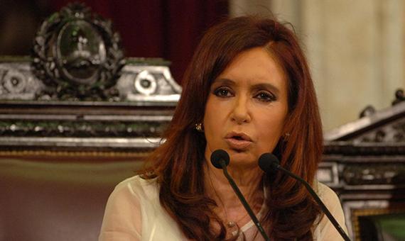 fimg879733_3_Kristina_Kirshner_v_Parlamente_Argentinyi