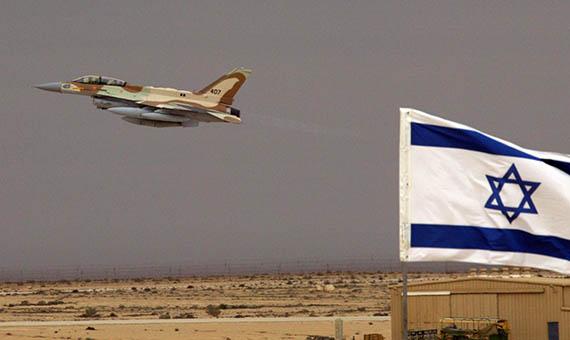 Jet-flying-behind-Israeli-flag