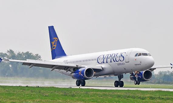 3728_Airbus-A320-232_5B-DCG
