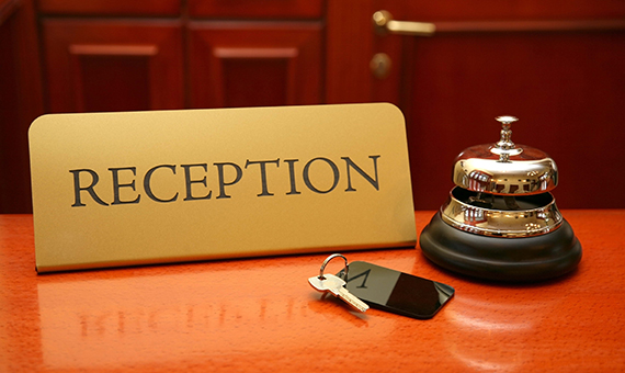 predstaviteli-gostinichnogo-biznesa-kipra-nedovolny-rabotoy-bankov