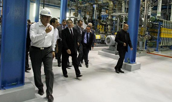 PResident-Anastasiades-gets-a-tour-of-Vasiliko-desalination-plant