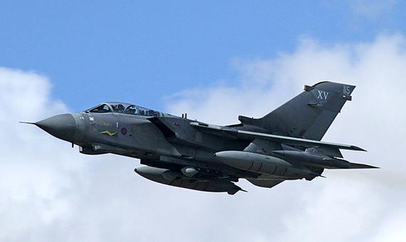 800px-Panavia_Tornado_GR4_05_(4827995363)