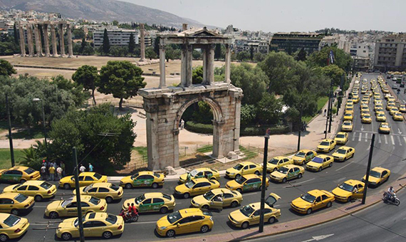 01-striking-taxi-drivers-greece-blocked-main-entrance-airport-athens