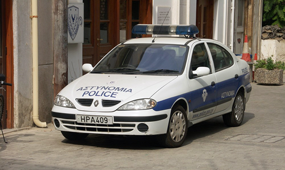 kiprskie-policeyskie-boretsya-s-prestupnostyu-na-ostrove