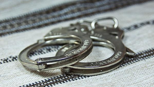 policiya-limassola-poymala-moshennika-kotoryy-besplatno-otdyhal-v-otelyah-kipra