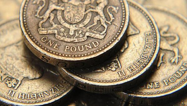 funt-sterlingov-ukrepilsya-k-dollaru-s-nachalom-referenduma-v-shotlandii