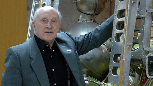 skonchalsya-veduschiy-konstruktor-kosmicheskogo-korablya-vostok-oleg-ivanovskiy