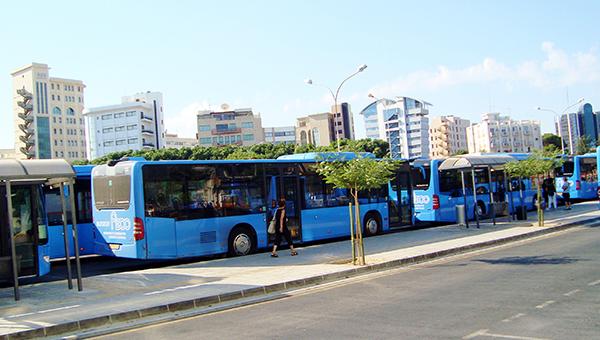 skandal-v-transportnoy-kompanii-kipra-4500-evro-za-chas-v-den-radi-prilichiya