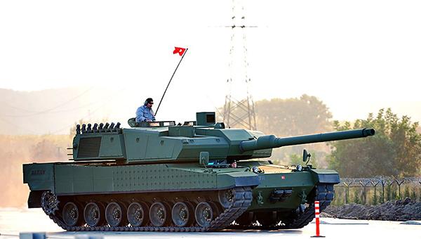 turciya-otpravila-na-granicu-s-siriey-tanki