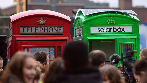 londonskie-telefonnye-budki-prevratyat-v-zaryadnye-stancii