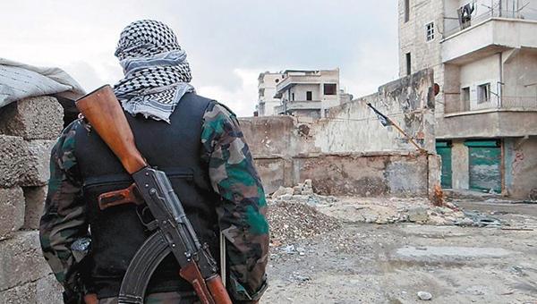 v-sirii-boeviki-pohitili-svyaschennika-i-20-hristian