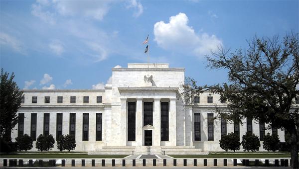 ukreplenie-dollara-napugalo-frs-ssha