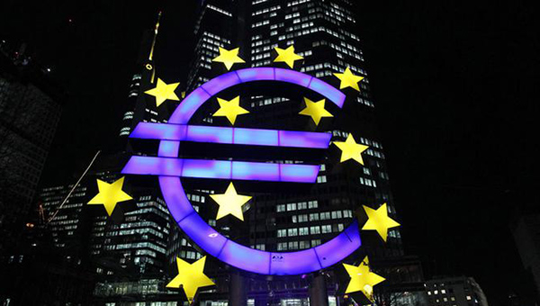 deutsche-bank-v-2017-godu-kurs-evro-upadet-nizhe-pariteta-k-dollaru