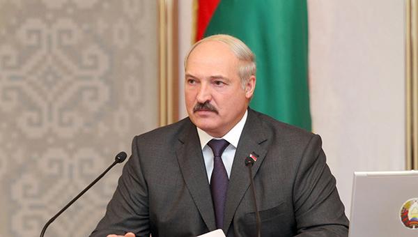 lukashenko-belorussiya-ne-rassmatrivaet-sebya-v-otryve-ot-rossii