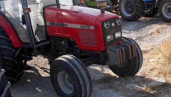 kipriot-postradal-ot-koles-sobstvennogo-traktora