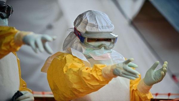 zarazhennyy-lihoradkoy-ebola-sotrudnik-oon-umer-v-germanii