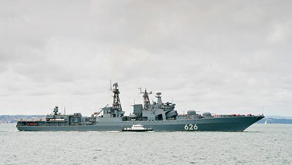 korabli-novocherkassk-i-vice-admiral-kulakov-provedut-ucheniya-v-sredizemnom-more