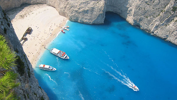 krupneyshiy-evropeyskiy-turoperator-tui-travel-obeschaet-grecii-2-2-milliona-turistov