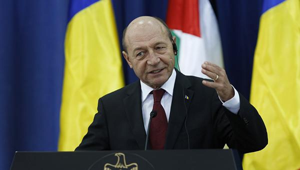 prezident-rumynii-ukraina-dolzhna-prekratit-prosit-dengi-u-drugih-stran