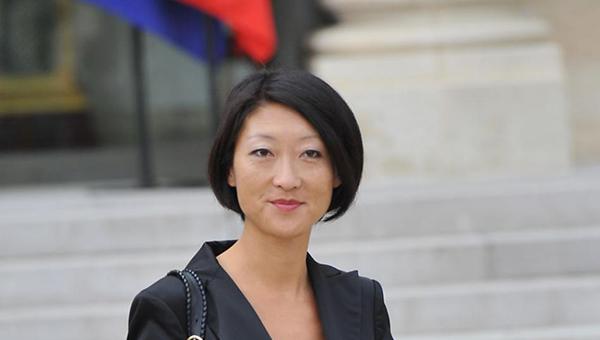 ministr-kultury-francii-ne-prochla-ni-odnoy-knigi-za-poslednie-dva-goda