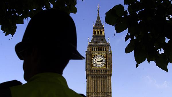 britanskoe-pravitelstvo-urezalo-socialnye-rashody