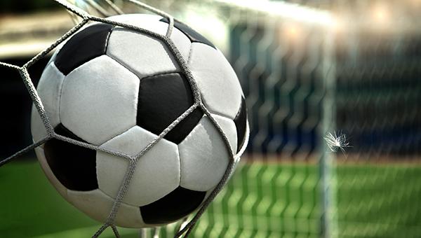 20-letniy-yunosha-umer-vo-vremya-matcha-po-futbolu-na-kipre