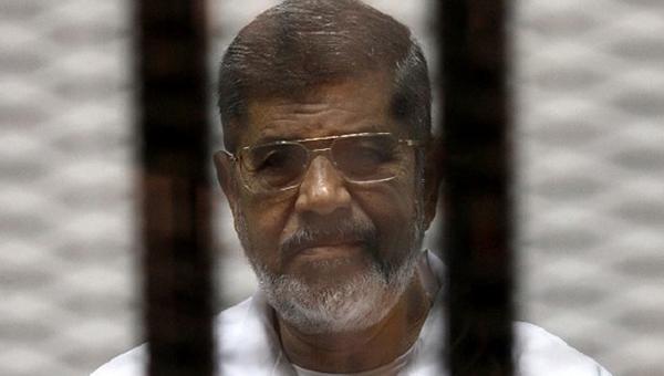 genprokuratura-egipta-potrebovala-kaznit-mursi