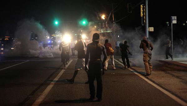 akcii-protesta-posle-suda-v-fergyusone-nachalis-v-nyu-yorke-chikago-i-vashingtone