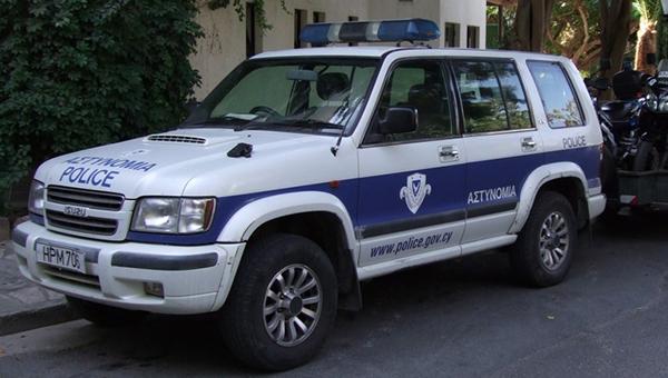 policiya-rassleduet-vooruzhennoe-ograblenie-doma-v-nikosii