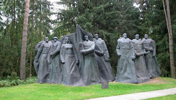 smi-vlasti-vilnyusa-i-kaunasa-hotyat-demontirovat-sovetskie-skulptury