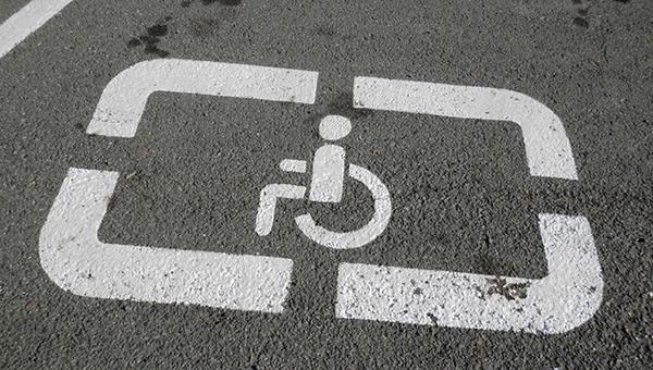 650-kipriotam-vypisany-shtrafy-za-parkovku-na-mestah-dlya-invalidov