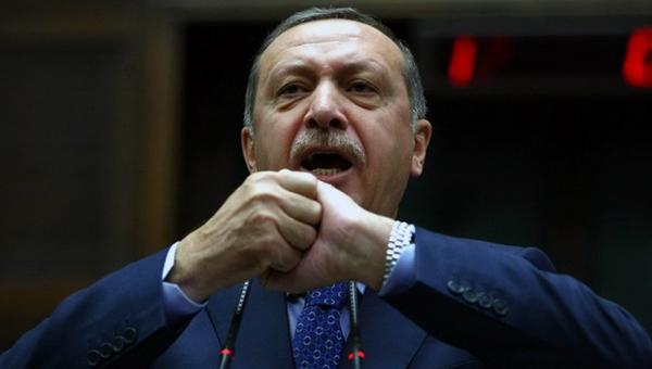 kto-zagonyaet-erdogana-v-gluhuyu-oboronu