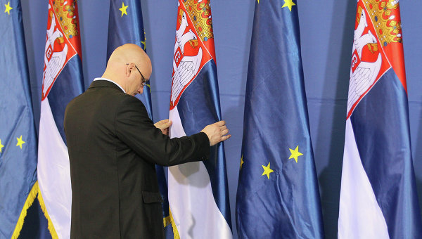 mid-frg-serbiya-ne-obyazana-vvodit-sankcii-protiv-rossii
