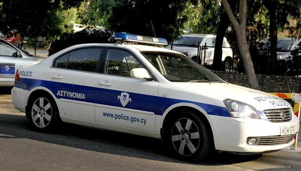 kiprskaya-policiya-ne-to-chtoby-umna-no-uchenye-stepeni-v-pochete