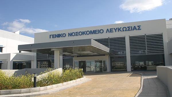 73-letniy-kipriot-vybrosilsya-iz-okna-bolnicy-v-nikosii-spasti-pacienta-vracham-ne-udalos