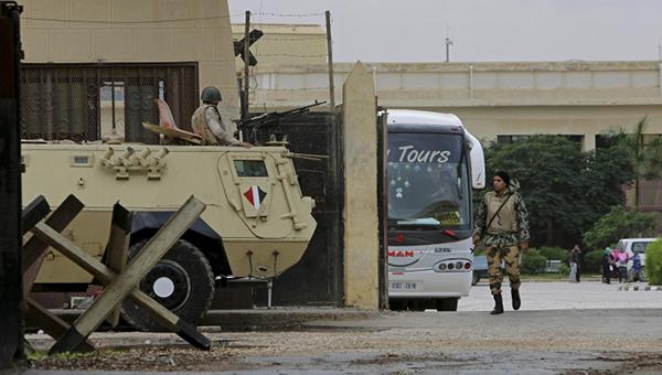 vlasti-egipta-prodlili-esche-na-sutki-rabotu-pogranichnogo-s-sektorom-gaza-terminala