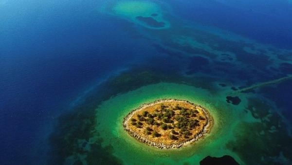 pokupatelyu-ochkov-v-germanii-predlagaetsya-v-podarok-grecheskiy-ostrov