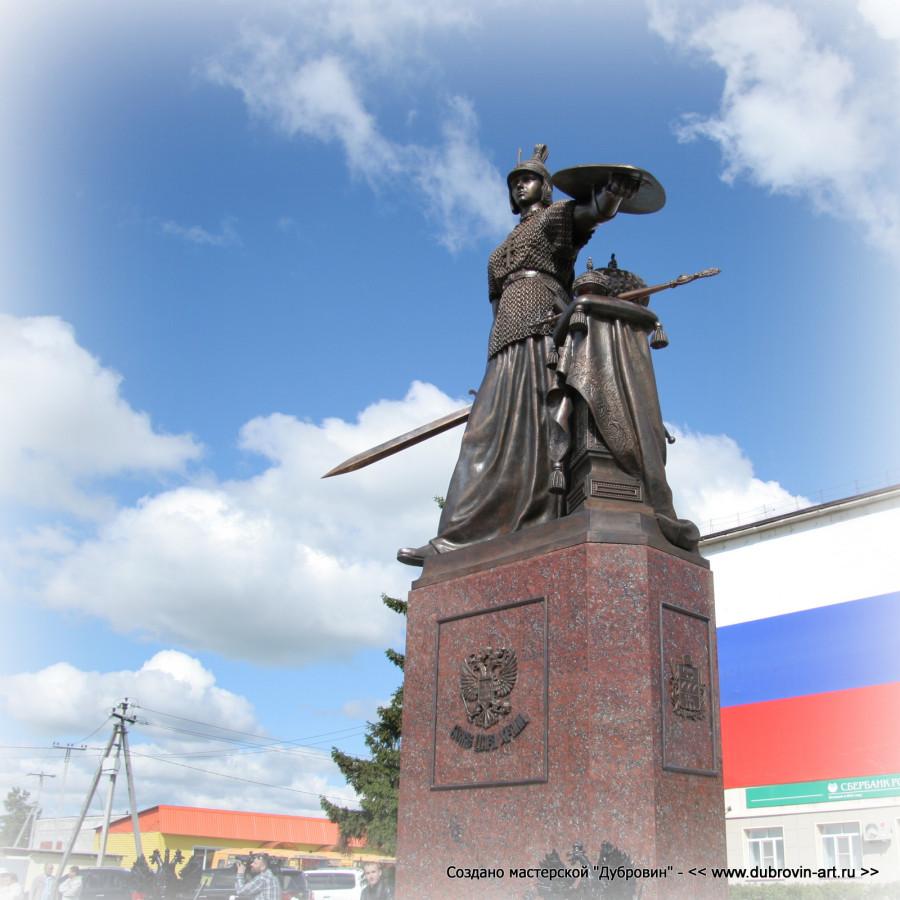 Бронзовая скульптура «Россия» в селе Частоозерье © Михаил Новосёлов / www.dubrovin-art.ru