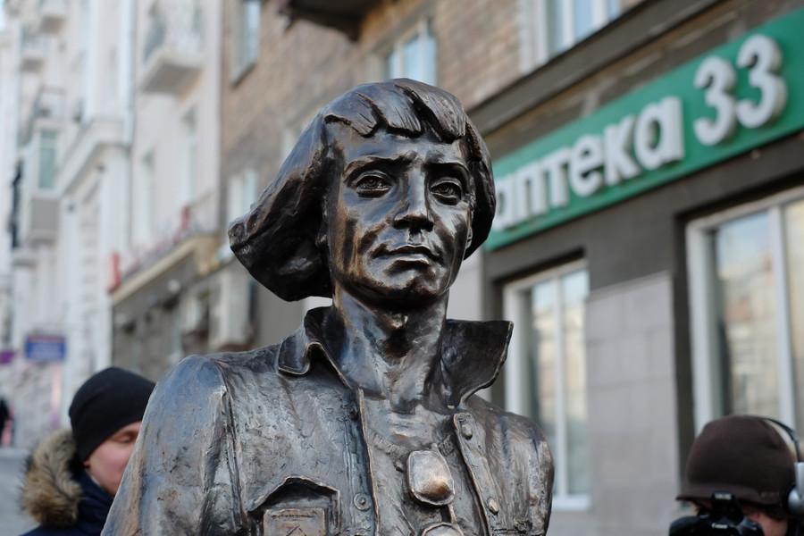 Скульптура Воспоминание о моряке загранплавания, г. Владивосток