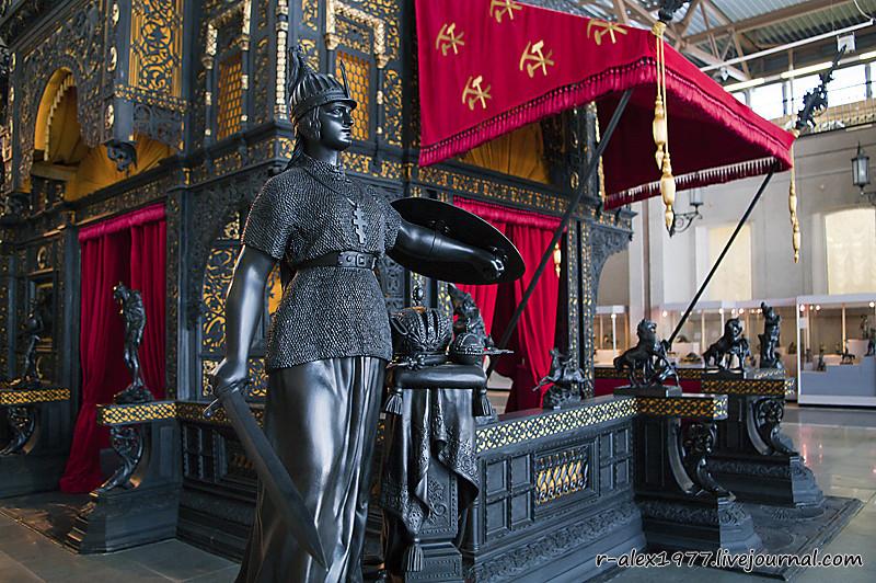 Скульптура «Россия» из экспозиции Екатеринбургского музея изобразительных искусств. © r-alex1977.livejournal.com