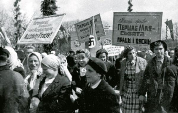 http://ic.pics.livejournal.com/czeslaw_list/71417888/177590/177590_600.jpg